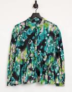 Vero Moda shirt in large bloom floral-Multi
