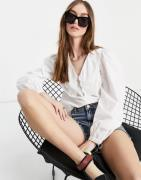 Vero Moda puff sleeve blouse with collar detail in white
